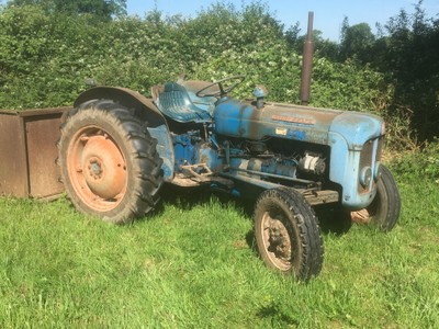 dexta-tractor