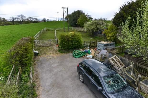 Clover Cottage, 2 Chapel Terrace, Fenny Bentley, Ashbourne - Image 11