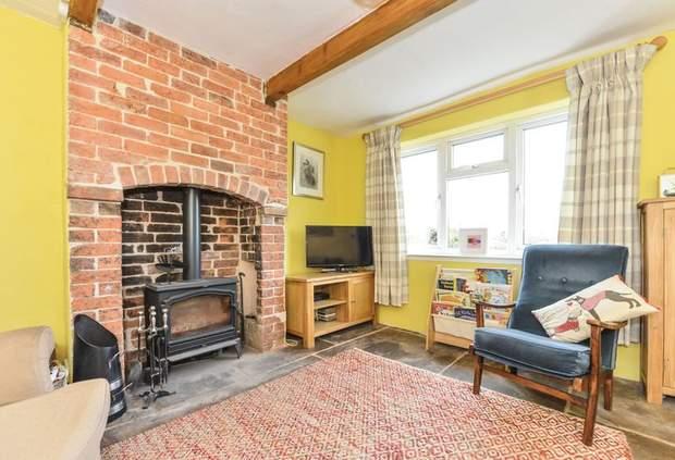 Clover Cottage, 2 Chapel Terrace, Fenny Bentley, Ashbourne - Image 4