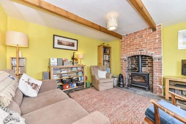 Clover Cottage, 2 Chapel Terrace, Fenny Bentley, Ashbourne - Image 3