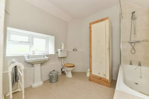 Clover Cottage, 2 Chapel Terrace, Fenny Bentley, Ashbourne - Image 7