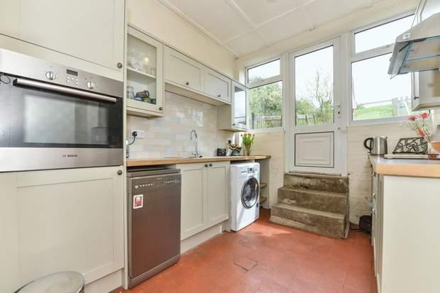 Clover Cottage, 2 Chapel Terrace, Fenny Bentley, Ashbourne - Image 5