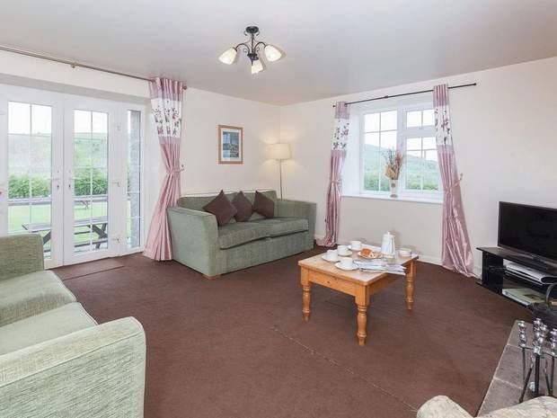 Needhams, Bothy and Cherry Cottage, Alstonefield, Ashbourne - Image 5