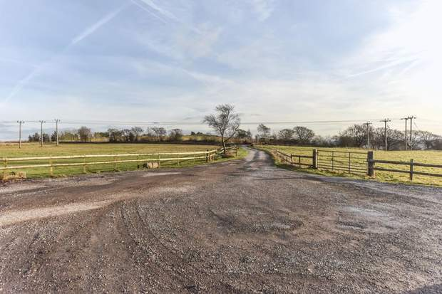 Cabbage Hall Farm, Stoney Lane, Cauldon, Stoke-On-Trent - Image 8