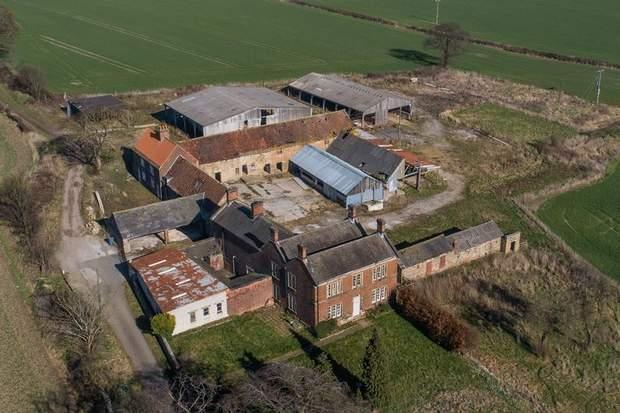 White Lodge Farm, Breck Lane, Barrow Hill, Chesterfield - Image 9