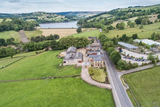 Lot 1 - Stacey Bank Farm, Stacey Bank, Loxley, Sheffield - Image 4