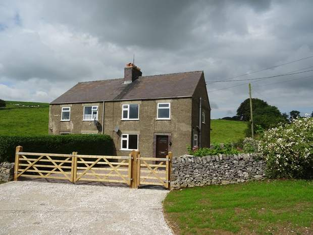 2, Low Moor Cottages, Pikehall, Matlock - Image 1