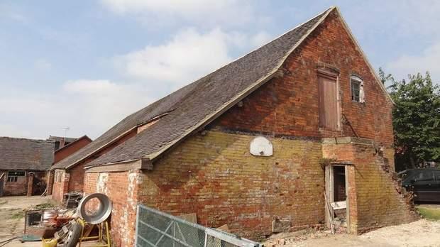 The Barns, Grange Farm, Bramshall - Image 4