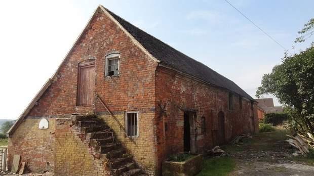 The Barns, Grange Farm, Bramshall - Image 7