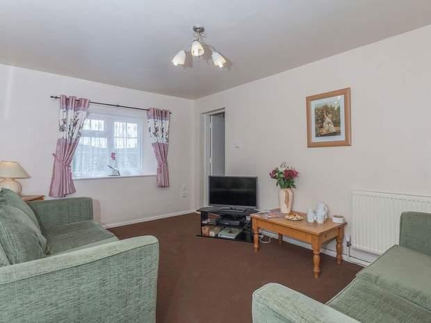 Needhams, Bothy and Cherry Cottage, Alstonefield, Ashbourne - Image 12