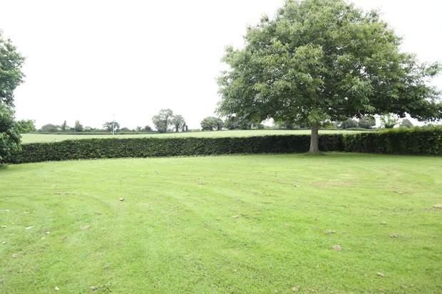 Prestwood Barn, Quixhill Lane, Prestwood, Uttoxeter - Image 5