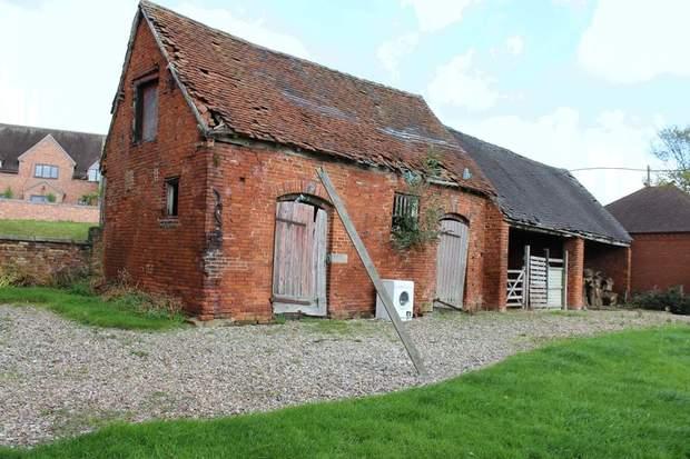 Barn Adjacent to Grange Farm, Bramshall, Uttoxeter - Image 4
