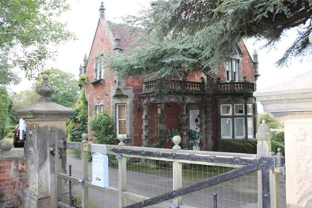Highfield Lodge, Fox Lane, Elmhurst, Lichfield - Image 2
