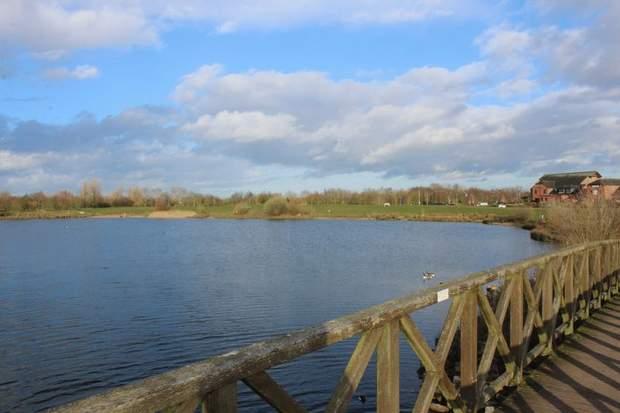 11 The Lakeside , Barton Turn, Barton Under Needwood, Burton-On-Trent - Image 22