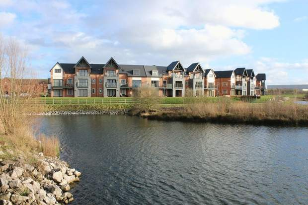 11 The Lakeside , Barton Turn, Barton Under Needwood, Burton-On-Trent - Image 4