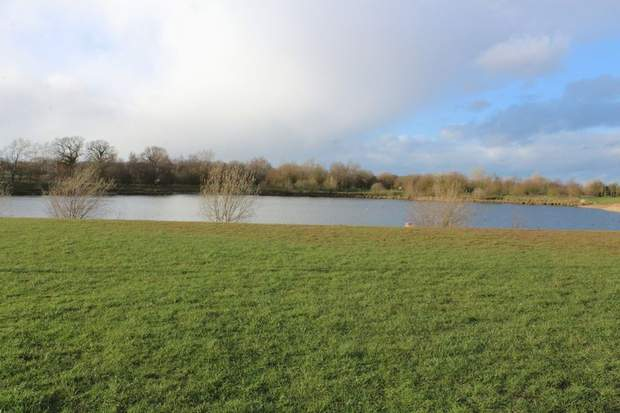 11 The Lakeside , Barton Turn, Barton Under Needwood, Burton-On-Trent - Image 23