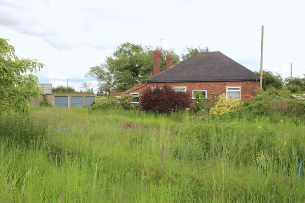 The Bungalow, Walsall Road, Pipehill - Image 4
