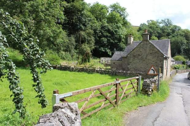 1 Rose Cottage, Mill Dale, Alstonefield, Ashbourne - Image 16