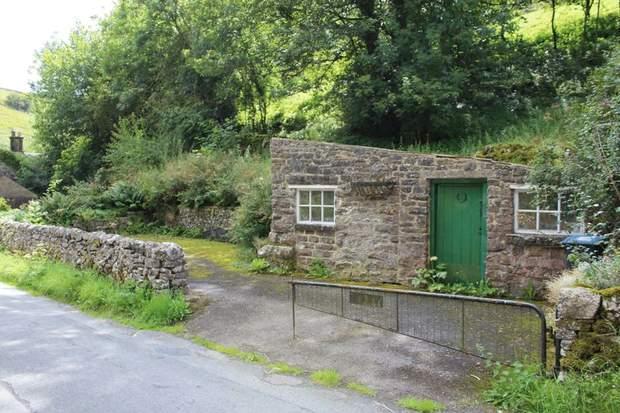 1 Rose Cottage, Mill Dale, Alstonefield, Ashbourne - Image 3