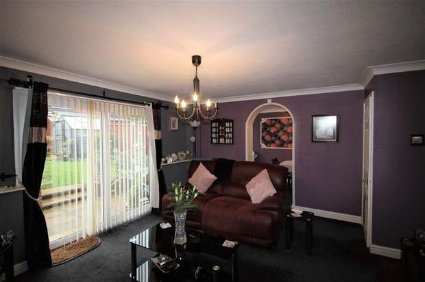 16, Arden Close, Rugeley - Image 5