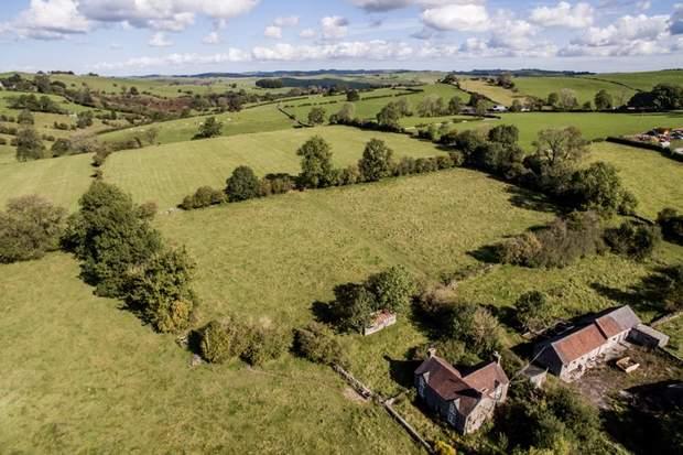 Lower Green House Farm, Green Lane, Calton, Stoke-On-Trent - Image 4