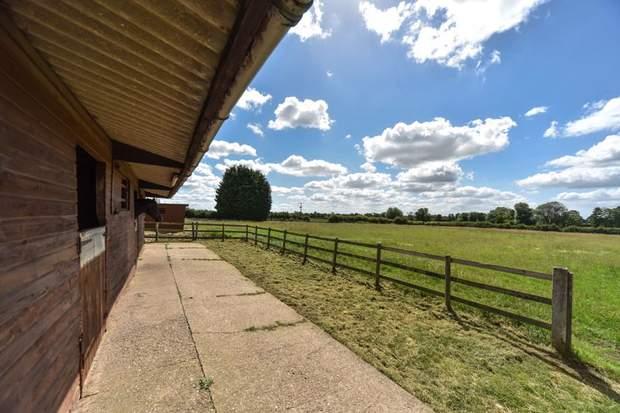 Lower Fieldgate Farm, Sutton-On-The-Hill, Ashbourne - Image 3