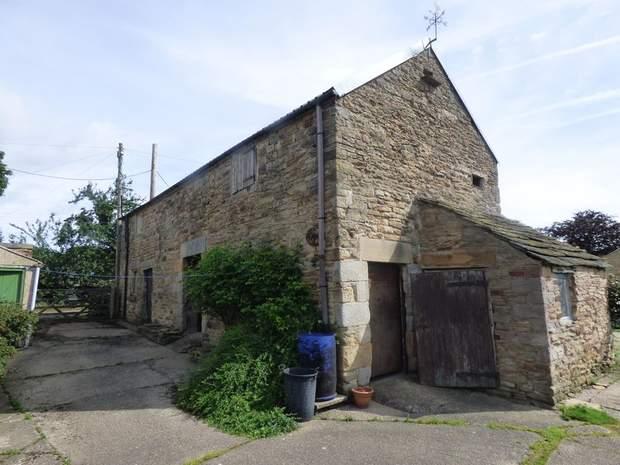 Lot 1: Barlow Lees Farm, Barlow Lees, Barlow, Dronfield - Image 3