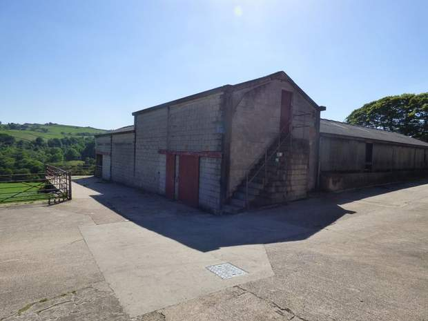 Lot 1 - Stacey Bank Farm, Stacey Bank, Loxley, Sheffield - Image 6