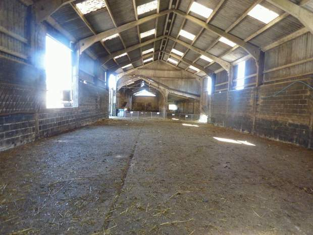 Lot 1 - Stacey Bank Farm, Stacey Bank, Loxley, Sheffield - Image 14