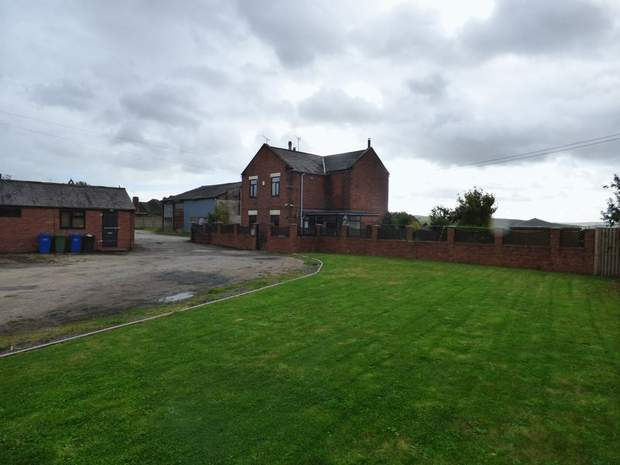 St John's Farm, Bridle Road, Mastin Moor, Chesterfield - Image 12