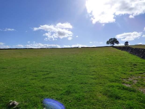 Lot 5: Newlands Farm, Coplow Dale, Little Hucklow, Buxton - Image 3