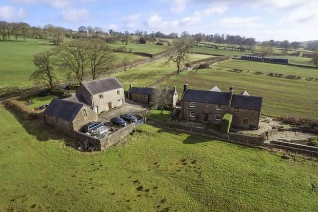 Shay Side Farm, Warslow, Nr Hartington , Buxton - Image 3